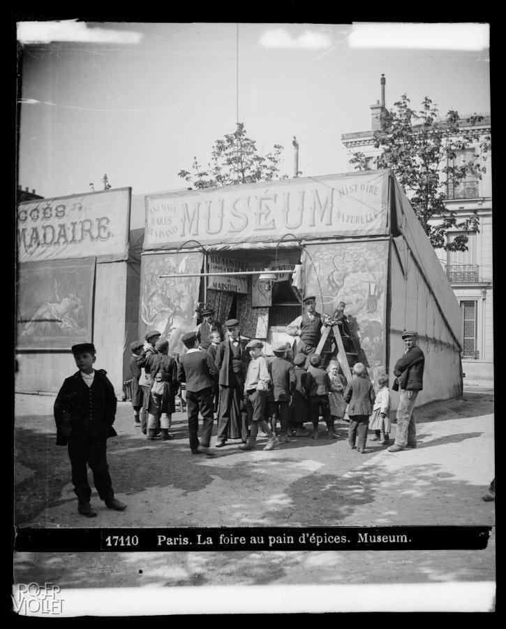 La foire aux Pains d'Epices: museum, 1890-1900,  Léon et Lévy/Roger-Viollet, Parisienne de Photographie, In Copyright