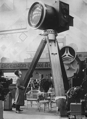 A giant camera at the Photographic Fair in Berlin, 28 September 1925, Central News, TopFoto.co.uk, In Copyright