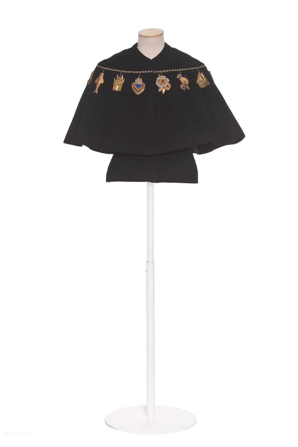 Cape embroidered by Lesage, 1938, Elsa Schiaparelli, Les Arts Décoratifs, In Copyright