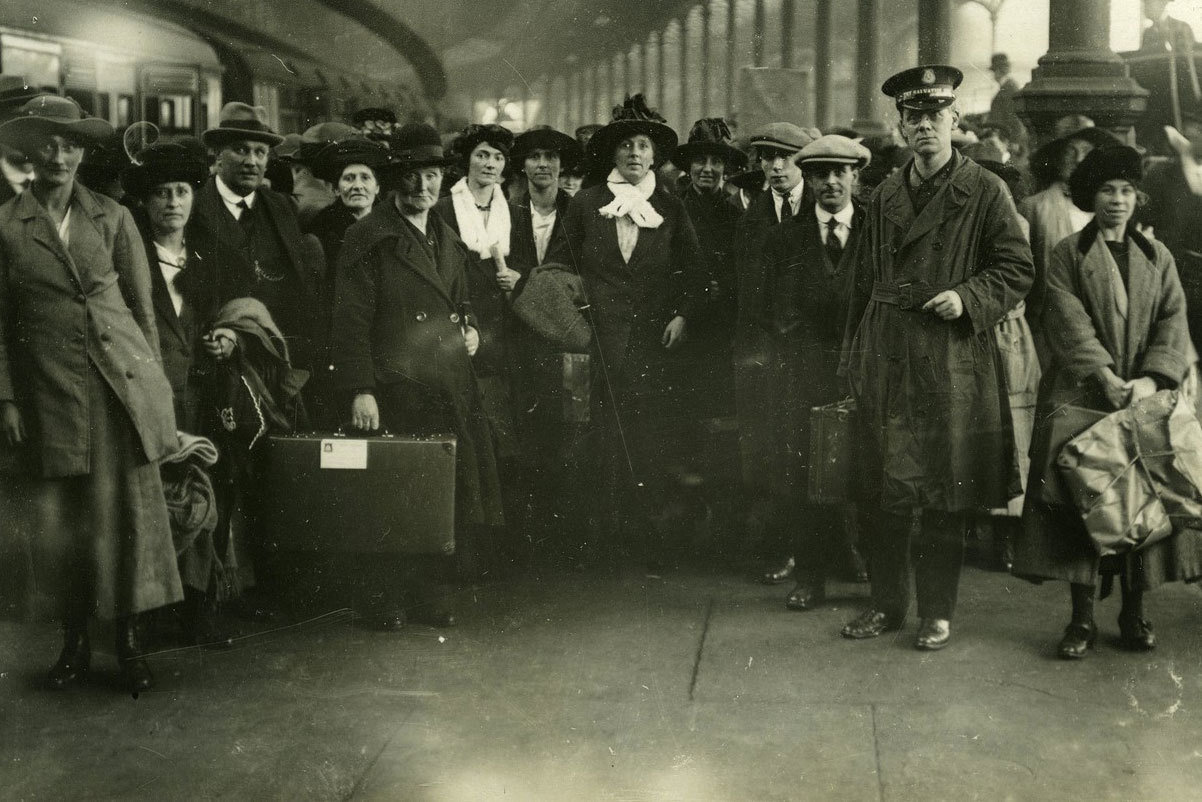 Refugees at a railway station, 1922/23 , Press Photographic Agency, London, UCD School of History and Archives, CC BY-NC-SA