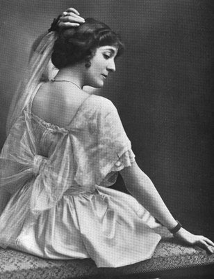 Elsie Janis, starring in 'Miss Information', unknown photographer; The Theatre v.21-22 (Nov 1915), Wikimedia Commons, Public Domain Mark