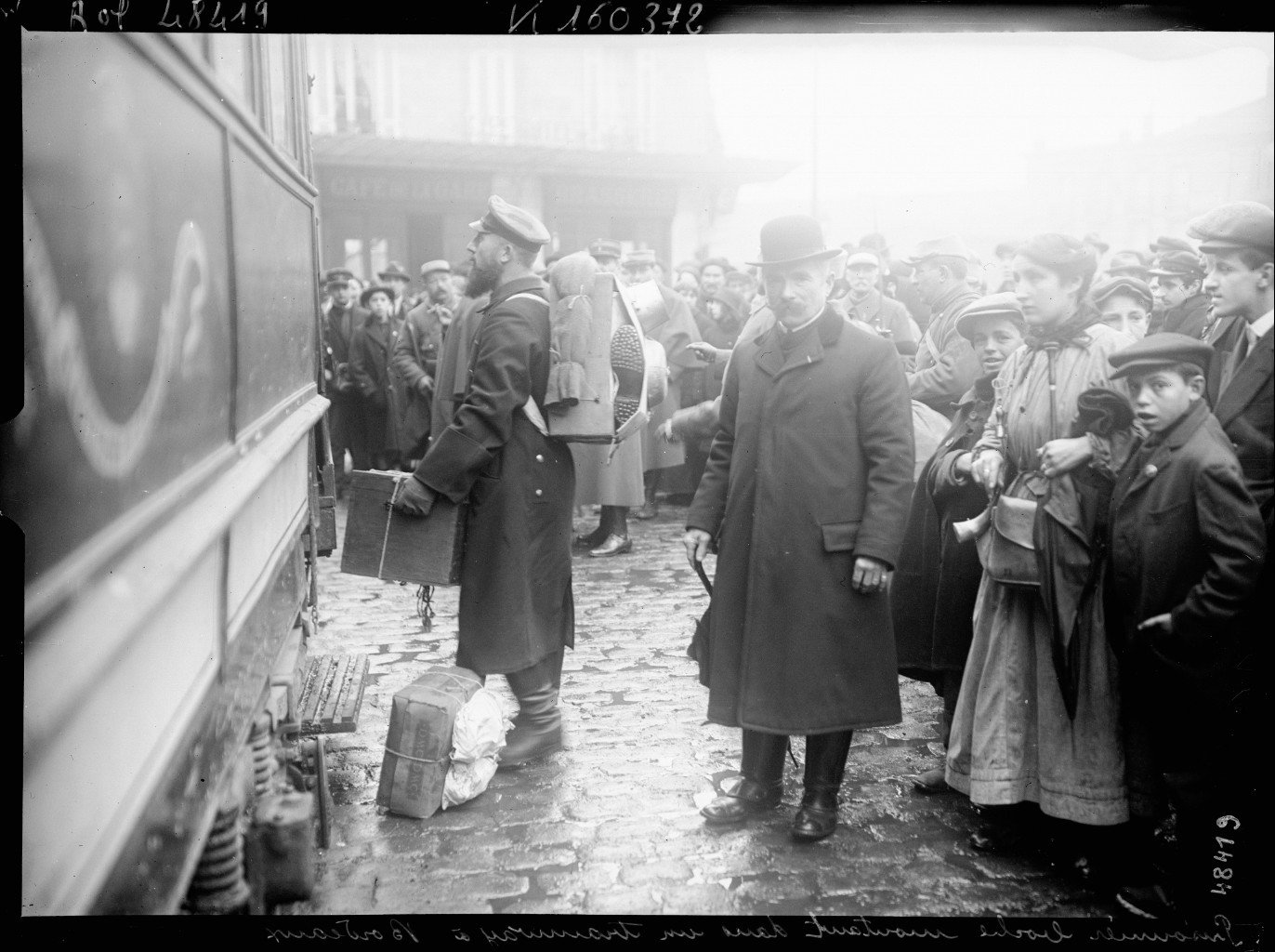 A German POW boarding the tram in Bordeaux., 1916 Bordeaux, French National Library - Bibliothèque Nationale de France, Public Domain Mark