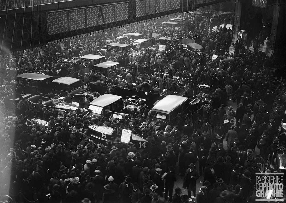 Crowd at the Motor Show in Paris, 1923, Maurice-Louis Branger, Parisienne de Photographie, In Copyright