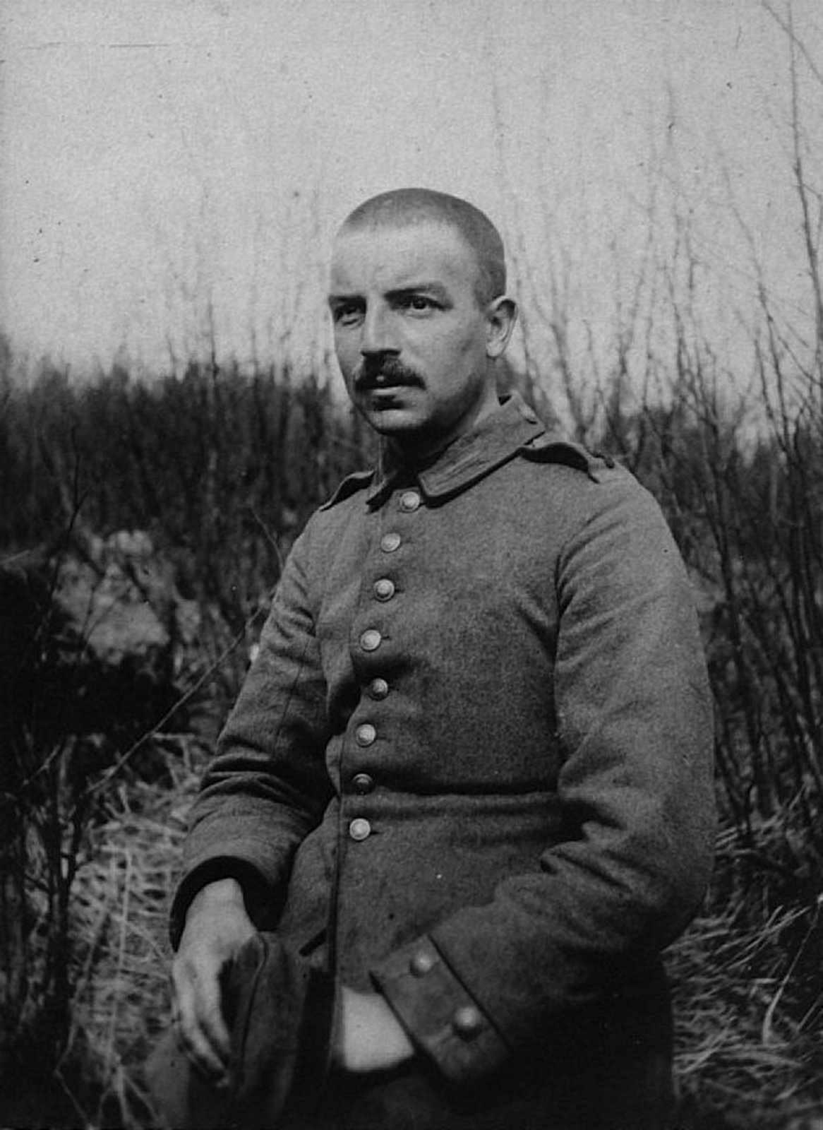 Reinhold Sieglerschmidt in uniform, Daugavpils (Dvinsk), now in Lithuania., Europeana 1914-1918 / Jörn Sieglerschmidt, CC BY-SA