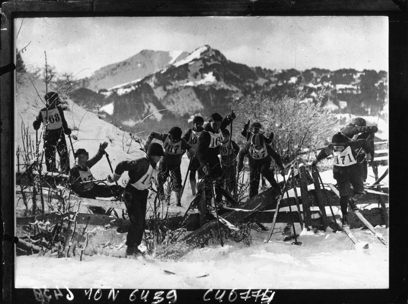 Alpes bavaroises : concours de ski, Robert Sennecke Internationaler Illustrations Verlag. Agence photographique, Bibliothèque Nationale de France, Public Domain Mark