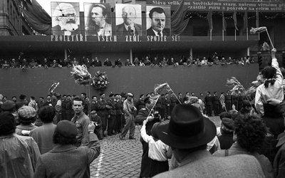 Dísztribün május elsején [May 1st celebrations], Budapest, 1956, Sándor Bauer, Fortepan, CC BY-SA