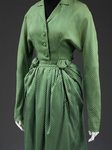 Day dress from 'Corolle et en Huite', 1947, Christian Dior, Victoria and Albert Museum, Public Domain Mark