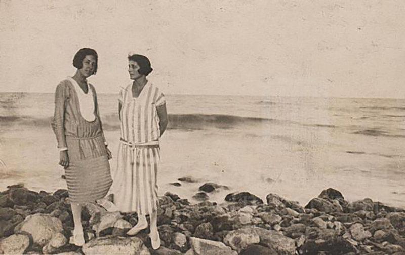 Miss Savva and Dora Gabe (on the right). Black Sea Coast, 1926, Unknown photographer, National Literary Museum, Public Domain Mark