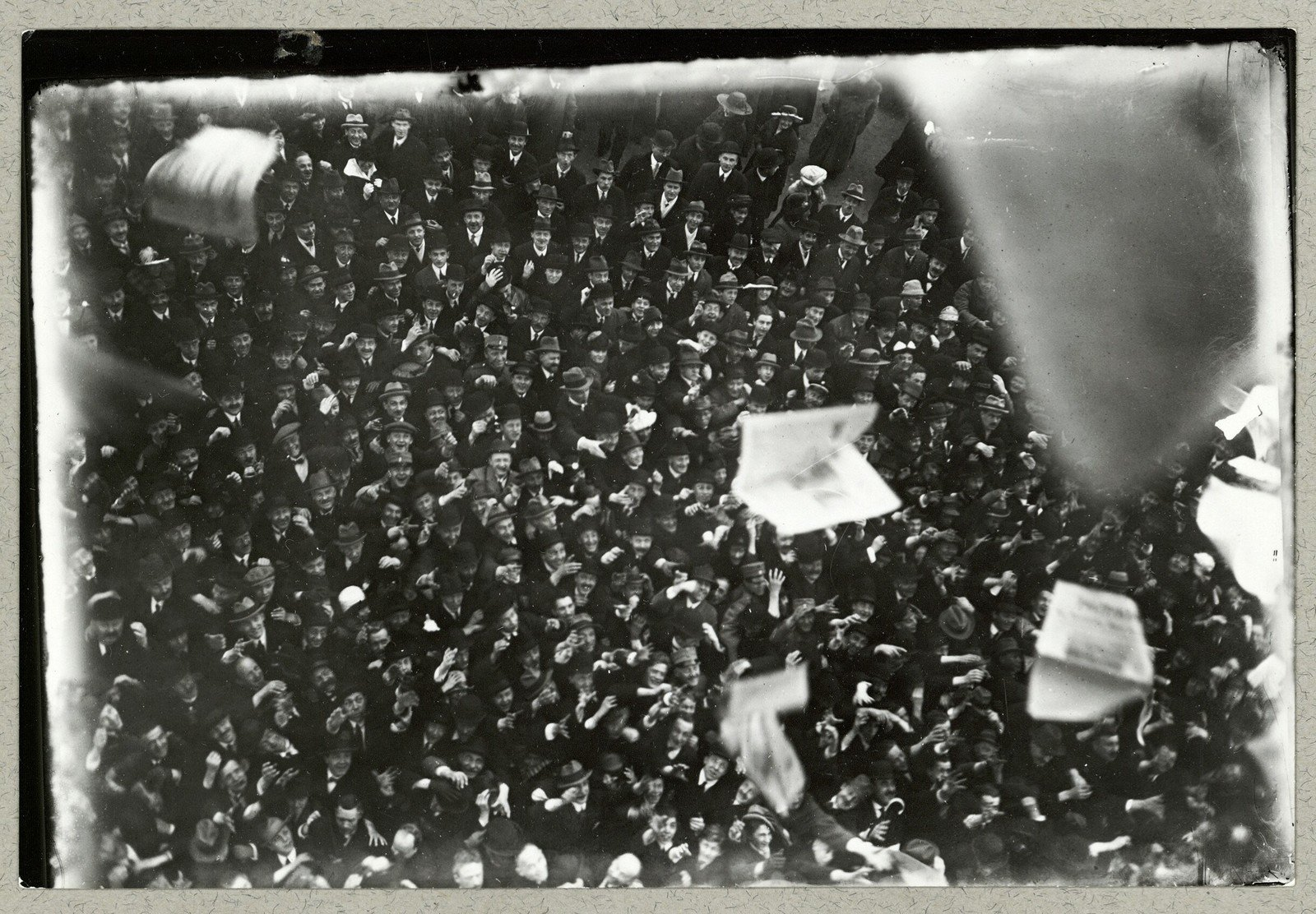 Demonstration during the Easter Crisis in Denmark, 1920, Holger Damgaard, National Library of Denmark, CC BY-NC-ND
