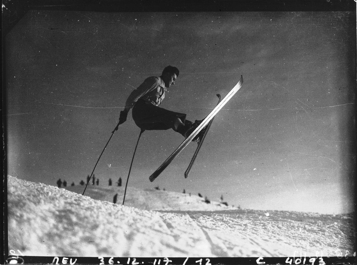 Sports d'Hivers à Mörzine dans les Alpes , Agence de presse Meurisse. Agence photographique, Bibliothèque Nationale de France, Public Domain Mark