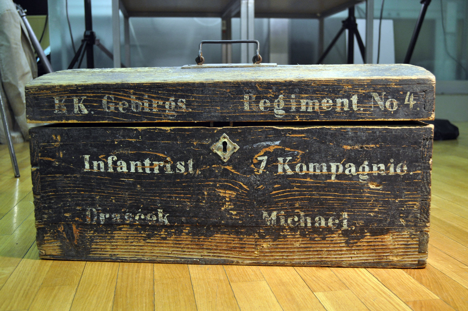 Wooden suitcase of Michael Drašček, undated, Europeana 1914-1918 / Rada Čopi, CC BY-SA
