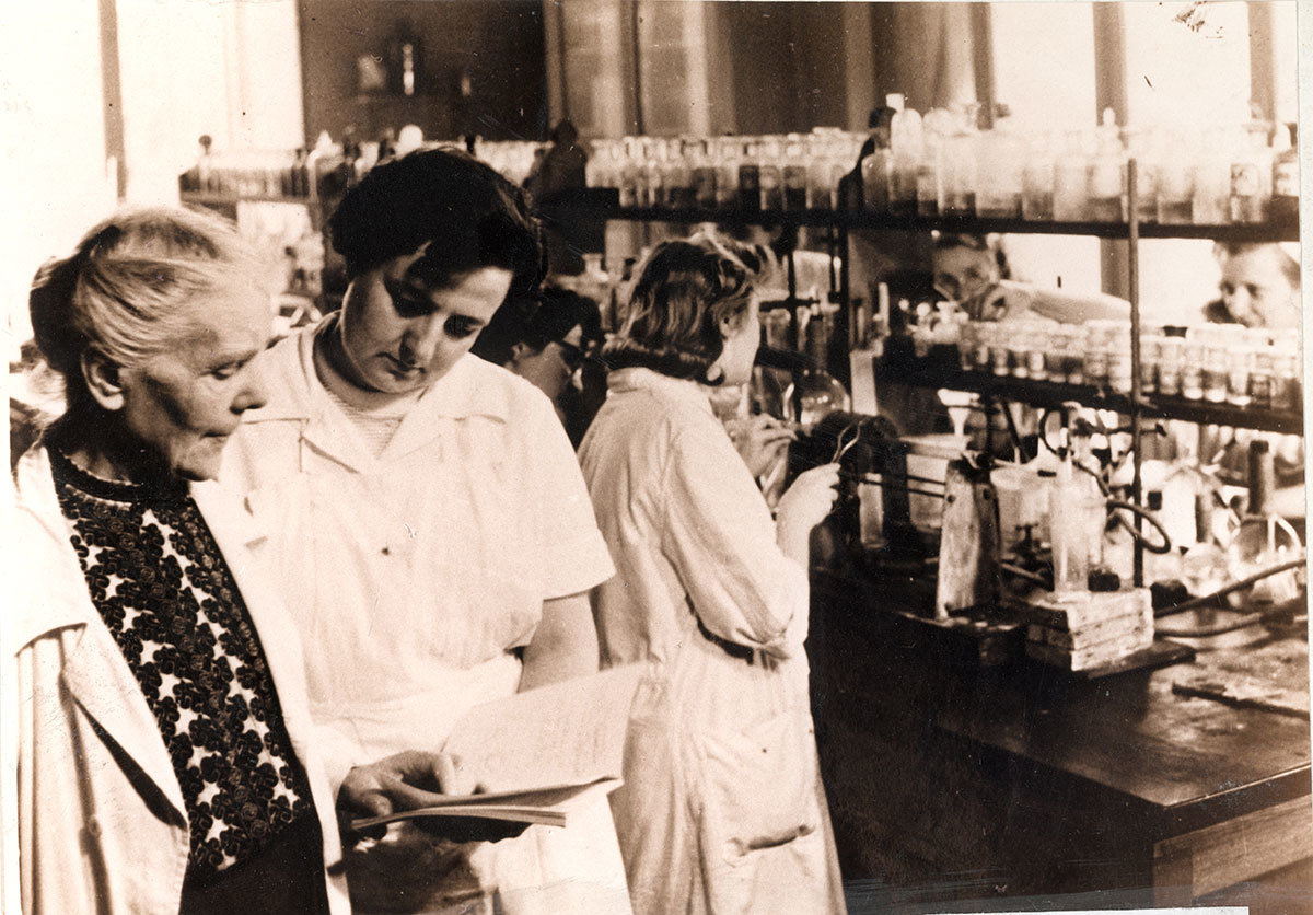 "Eng. Elisa Leonida Zamfirescu in laboratory investigating the results of the experiments, 1956, Unknown photographer, National Technical Museum ""prof.ing. Dimitrie Leonida"", Bucharest, Copyright Not Evaluated"