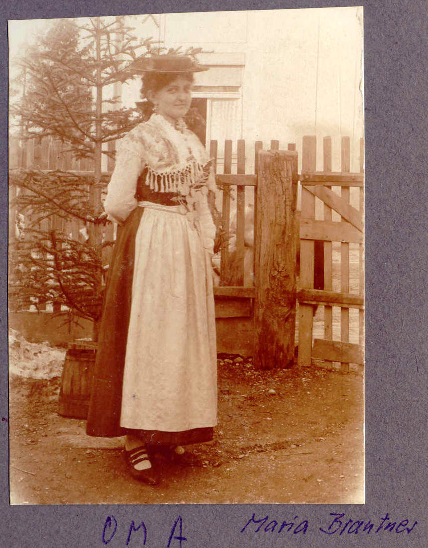 Hans Gaigl's wife Maria in traditional Bavarian dress, undated, Europeana 1914-1918 / Günter Gaigl, CC BY-SA