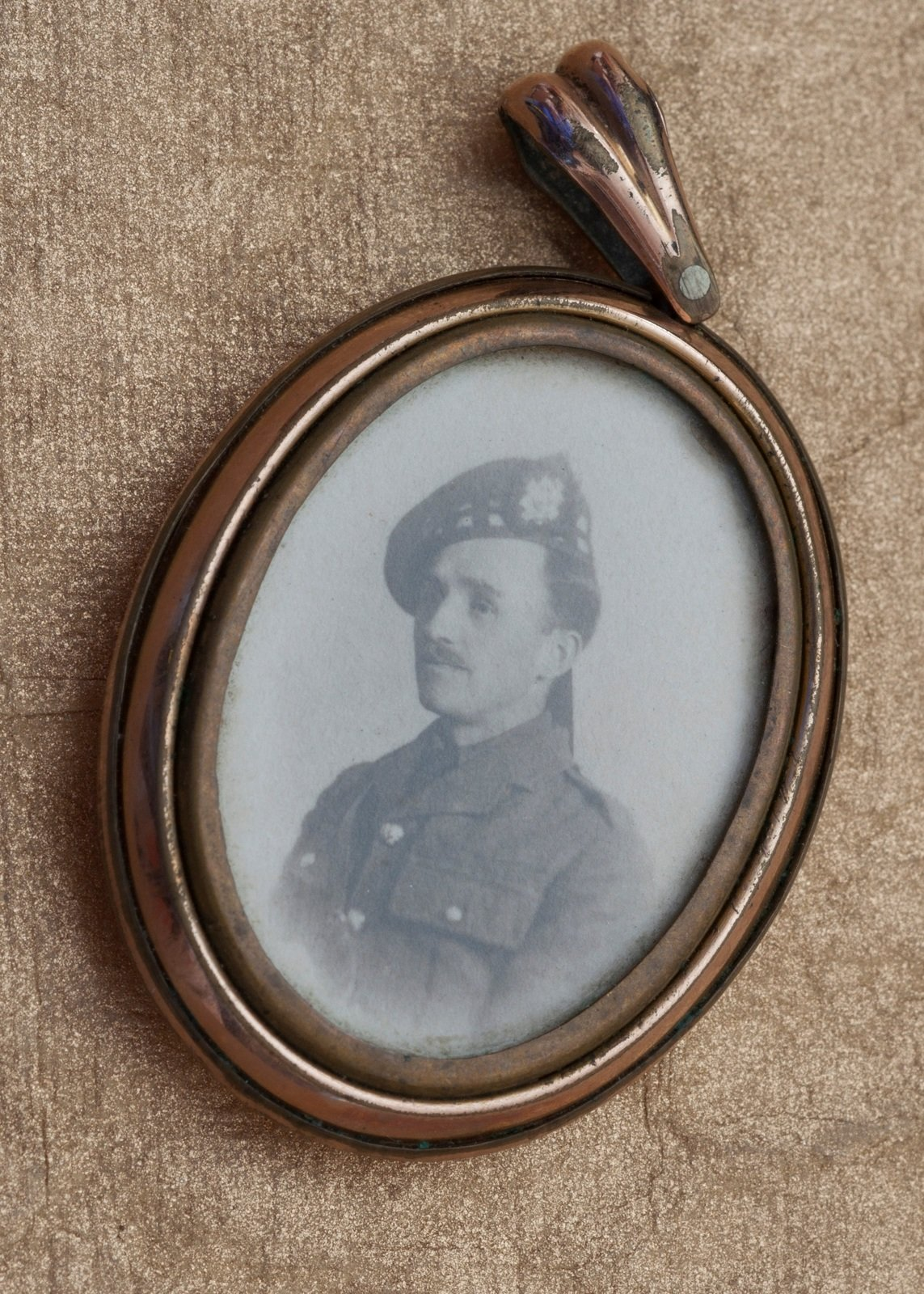 Locket containing George Cavan's photo, Jean Cavan, Europeana 1914-1918 / Maureen Rogers, CC BY-SA
