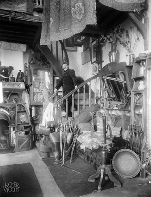 Maurice Neumont in his studio, 1920/30, Maurice-Louis Branger, Parisienne de Photographie, In Copyright