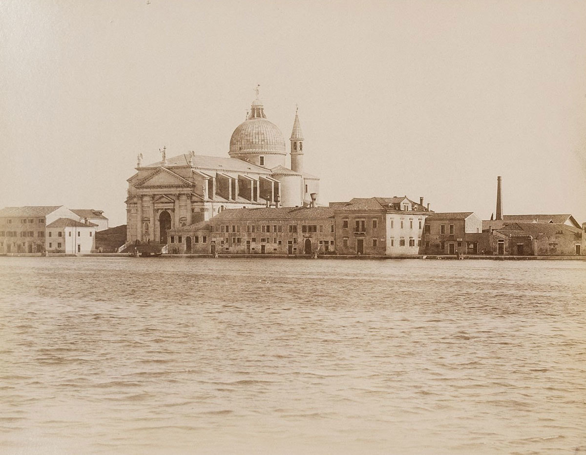 Giudecca Canal and Church of the Santissimo Redentore, Venice, 1860-1900, Fratelli Alinari, Museum für Kunst und Gewerbe Hamburg, CC0