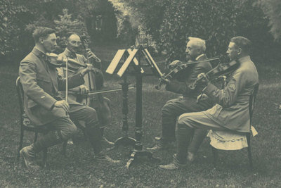 Musical entertainment in wartime
