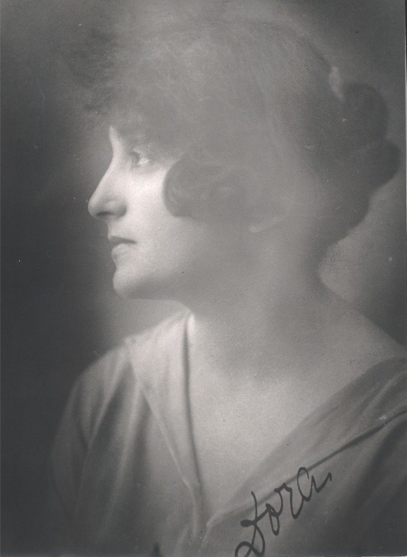 Dora Gabe in the late 1920s, Unknown photographer, Dora Gabe Public Library - Dobrich, CC0