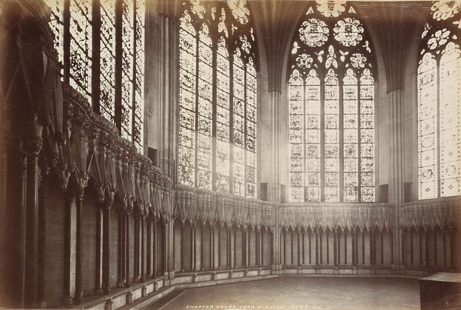 Interior of the Chapter Room of the Cathedral of York Chapter House, York Minster, 1899, James Valentine, Rijksmuseum, Public Domain Mark