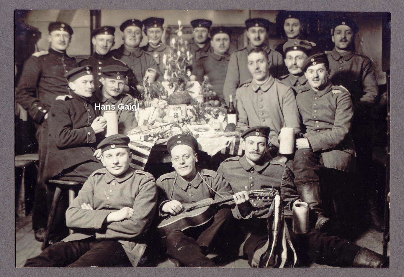 Hans Gaigl amidst his comrades at Christmas , undated, Europeana 1914-1918 / Günter Gaigl, CC BY-SA