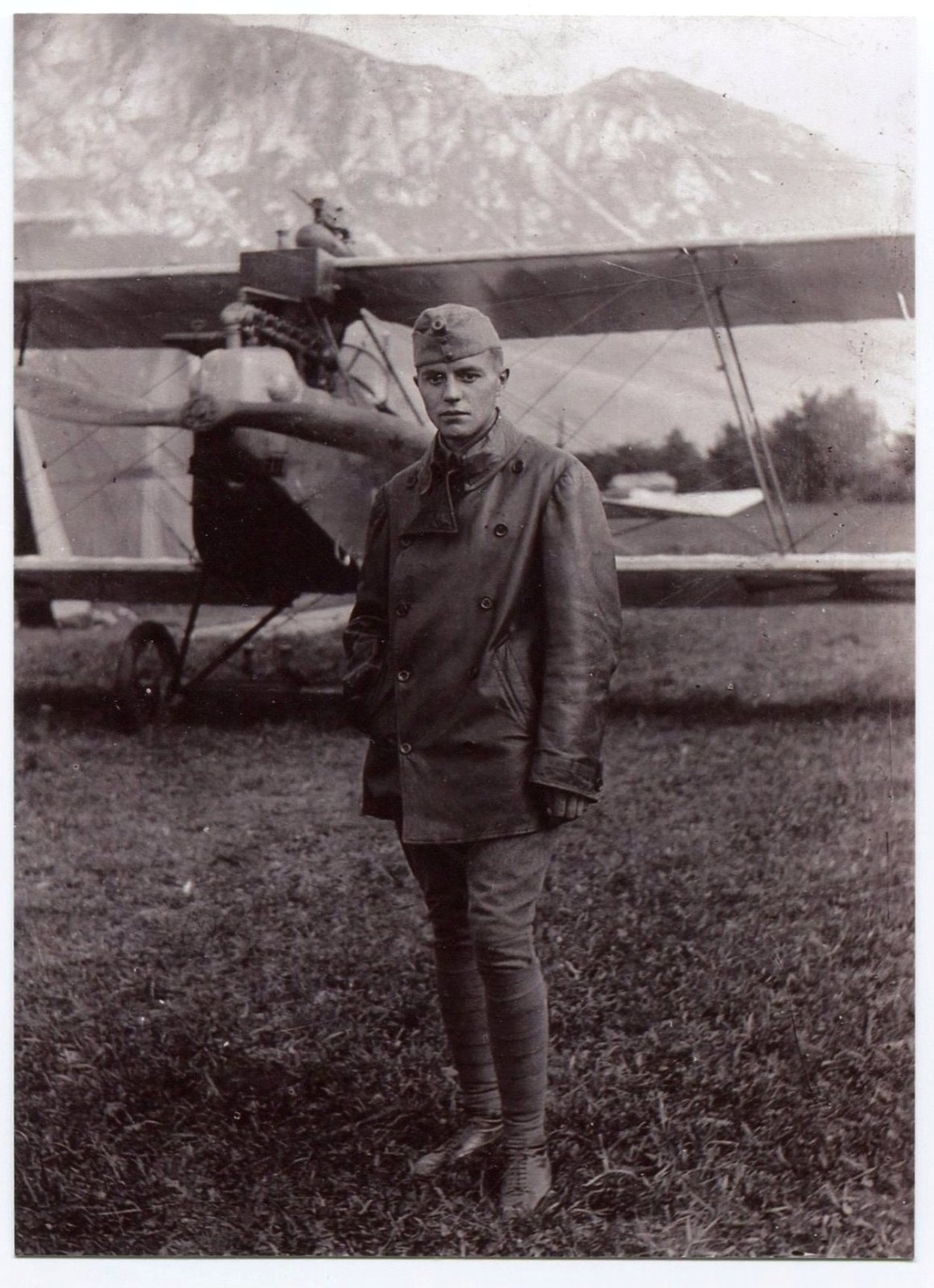 Julian Kenda, Photo of Julian Kenda in uniform, Europeana 1914- 1918 / Simon Kovačič, CC BY-SA