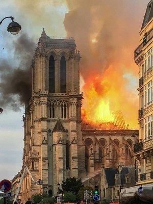 Fire at Notre-Dame de Paris, April 15 2019, LeLaisserPasserA38, Wikimedia Commons, CC BY-SA