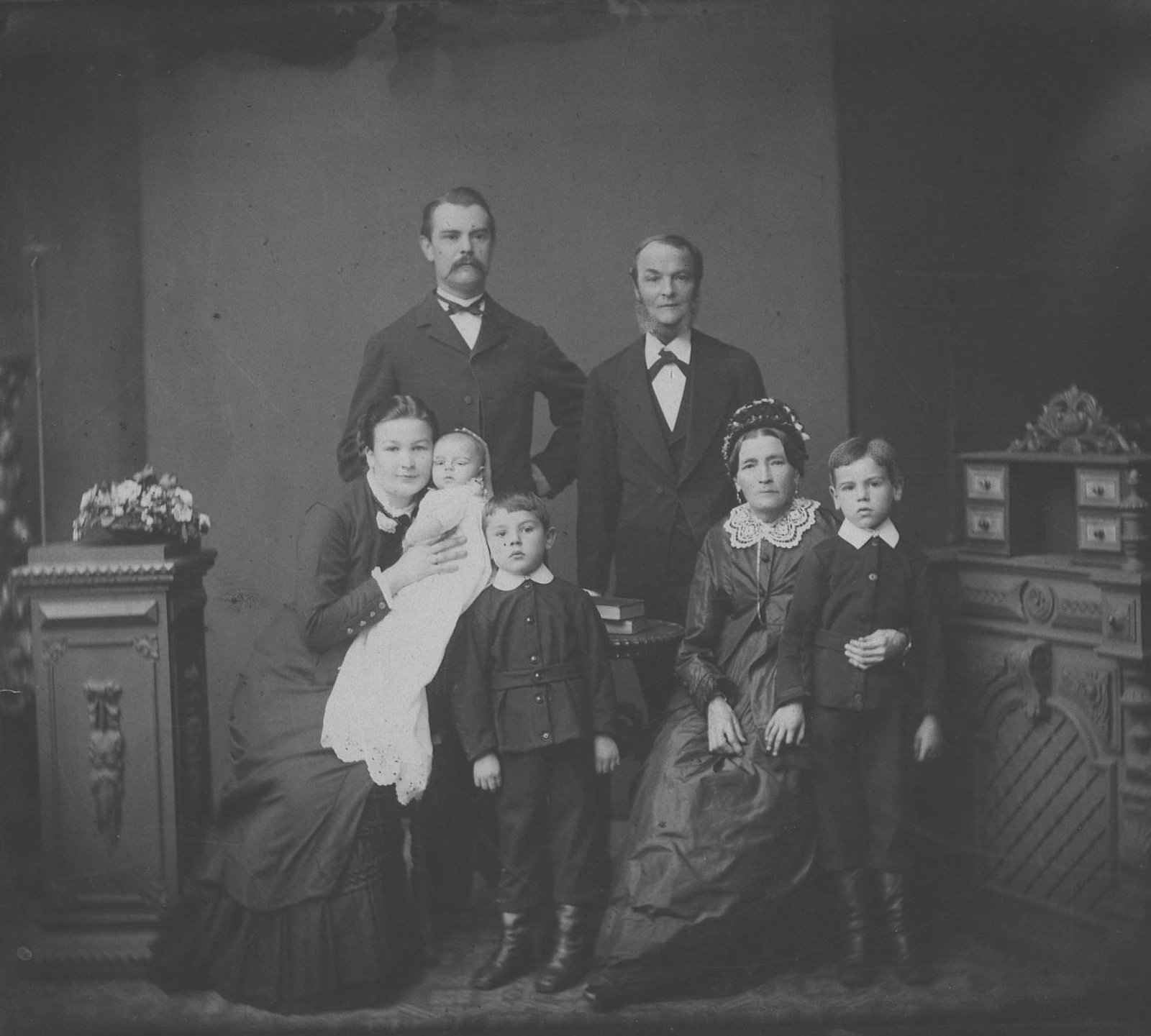 Reinhold Sieglerschmidt as a child in Christening gown , Autumn 1883, Europeana 1914-1918 / Jörn Sieglerschmidt, CC BY-SA