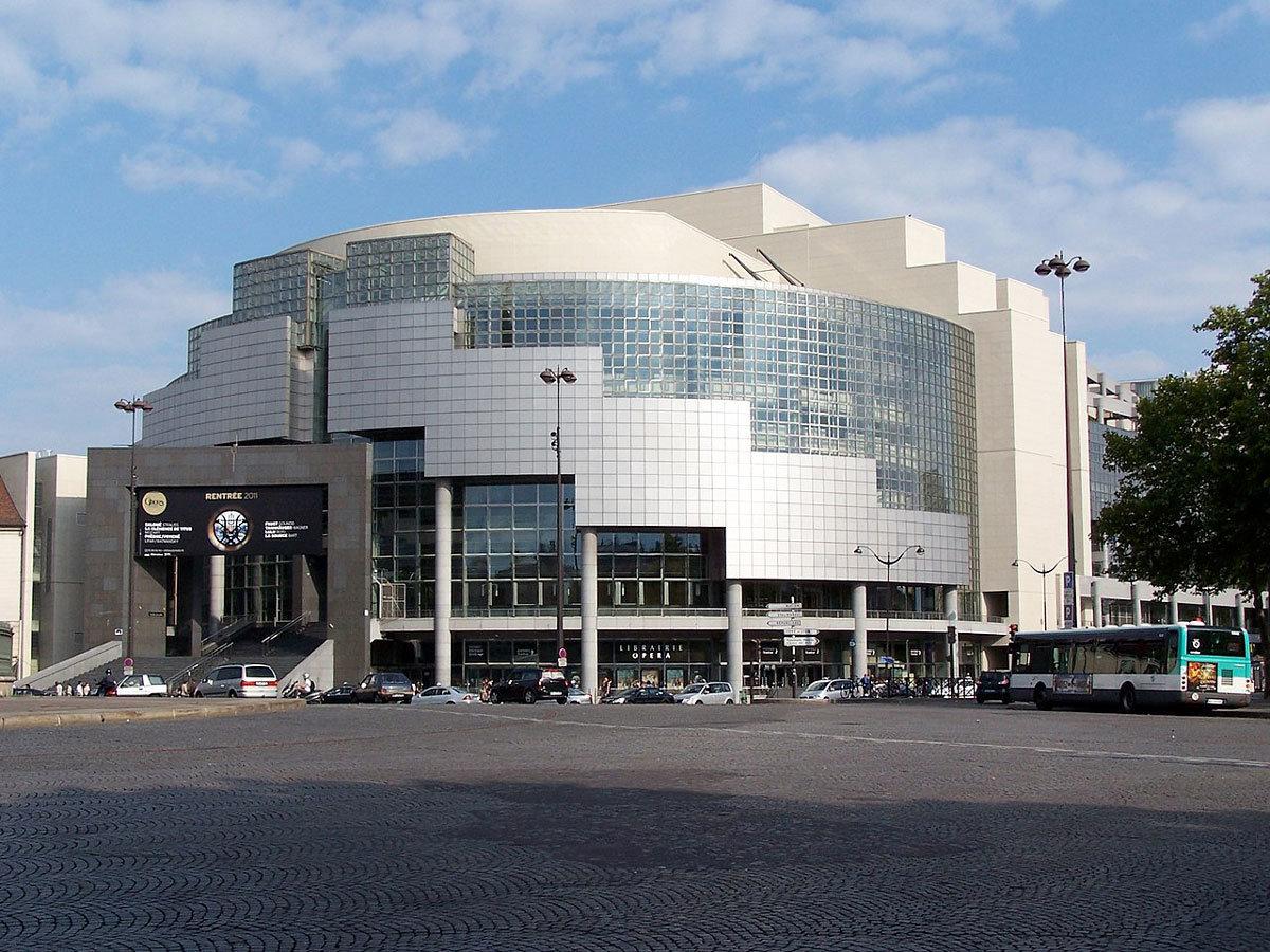 Vue de l'opéra Bastille, place de la Bastille à Paris, LPLT, Wikimedia Commons, CC BY-SA